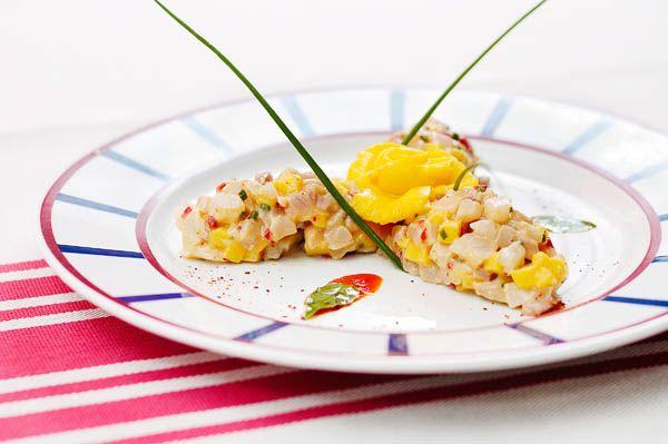 Tartare de daurade à la mangue et à la moutarde de piment d'Espelette
